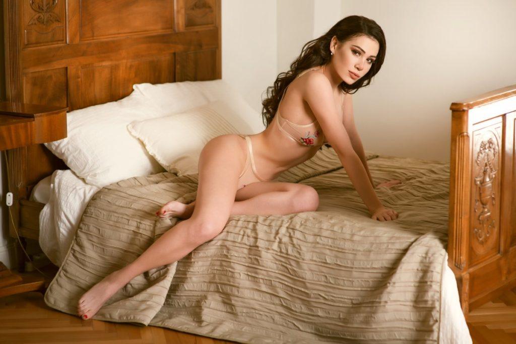 Есть крутые проститутки Королева в постели